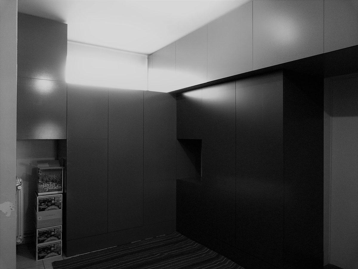 aménagement d'un intérieur à waremme avec plusieurs rangements et des matériaux provenant de chez biemar